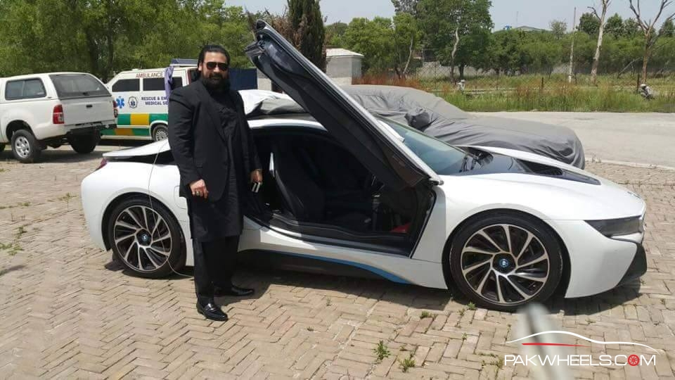 BMW i8 in Pakistan  (7)