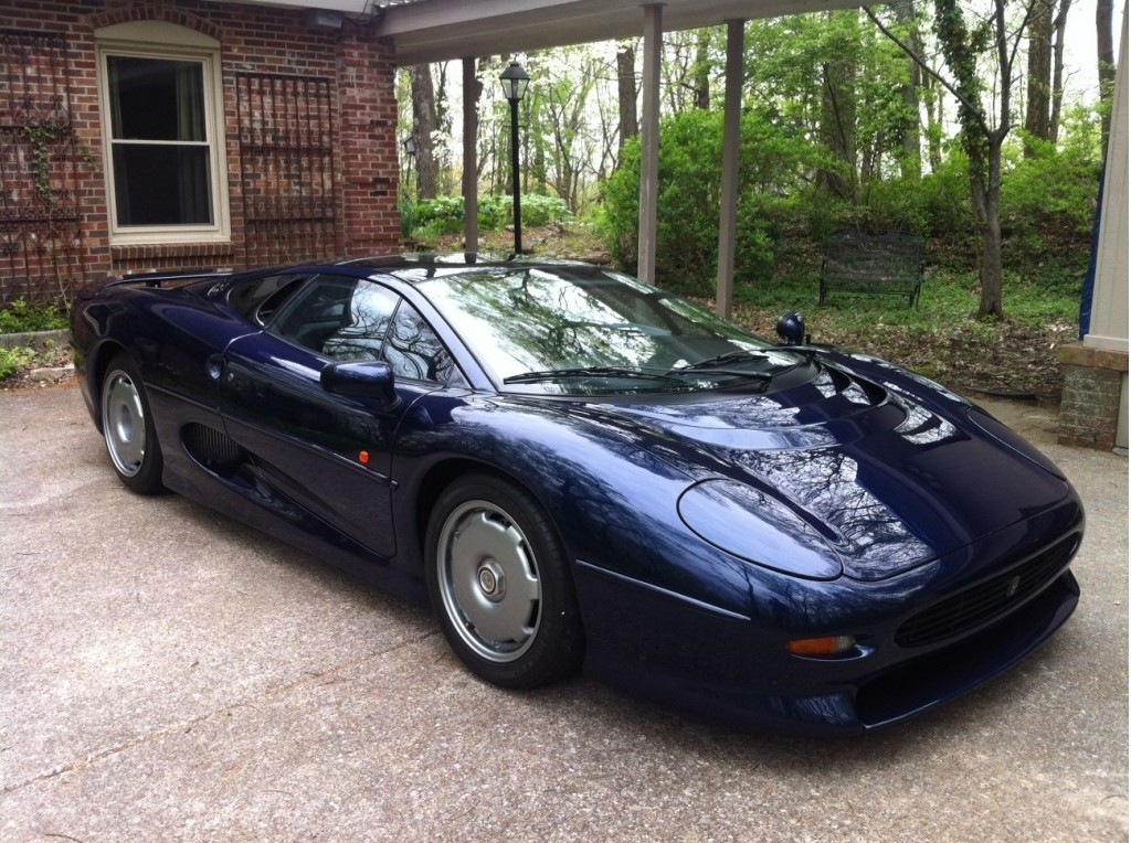 final-jaguar-xj220-built-up-for-auction_100466628_l