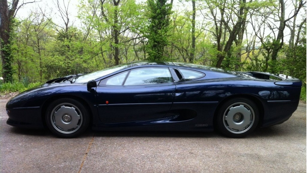 final-jaguar-xj220-built-up-for-auction_100466631_l