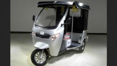 zar-motors-solar-electric-rickshaw-001