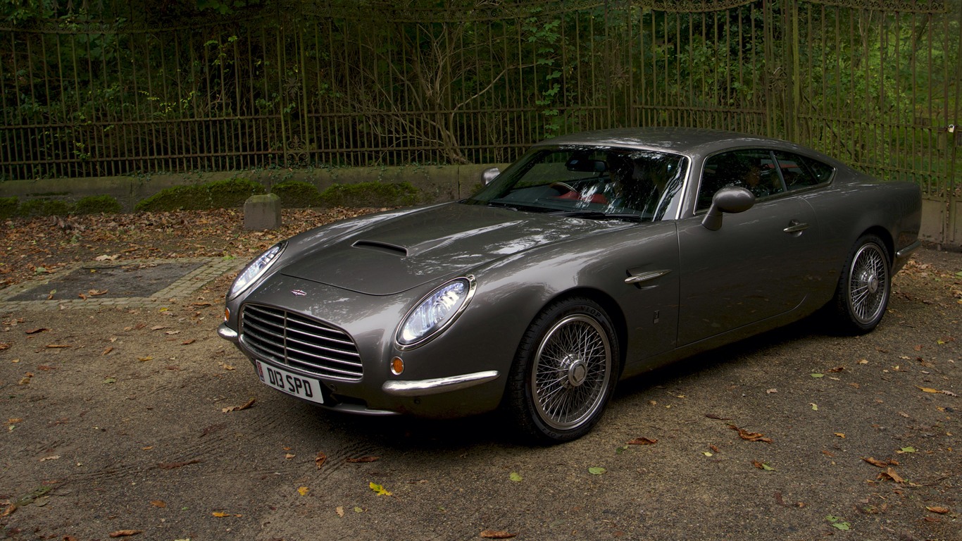 a modern day aston martin db5 fit for james bond pakwheels blog. Black Bedroom Furniture Sets. Home Design Ideas