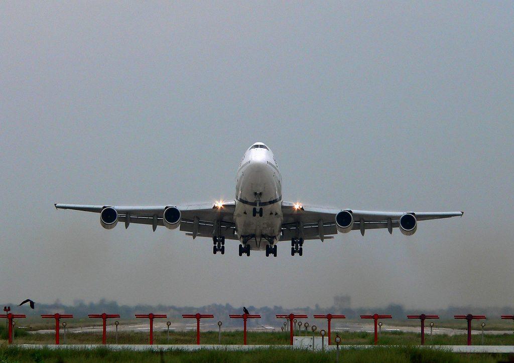 Lahore-PIA-747-TakeOff-80375