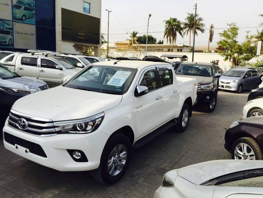 The 2016 Toyota Hilux Revo Makes Its Way To Pakistan - PakWheels Blog