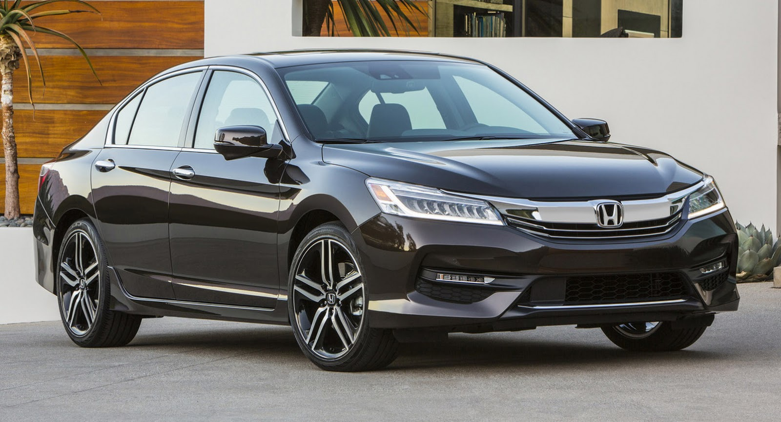 2016-Honda-Accord-VS-2015-1