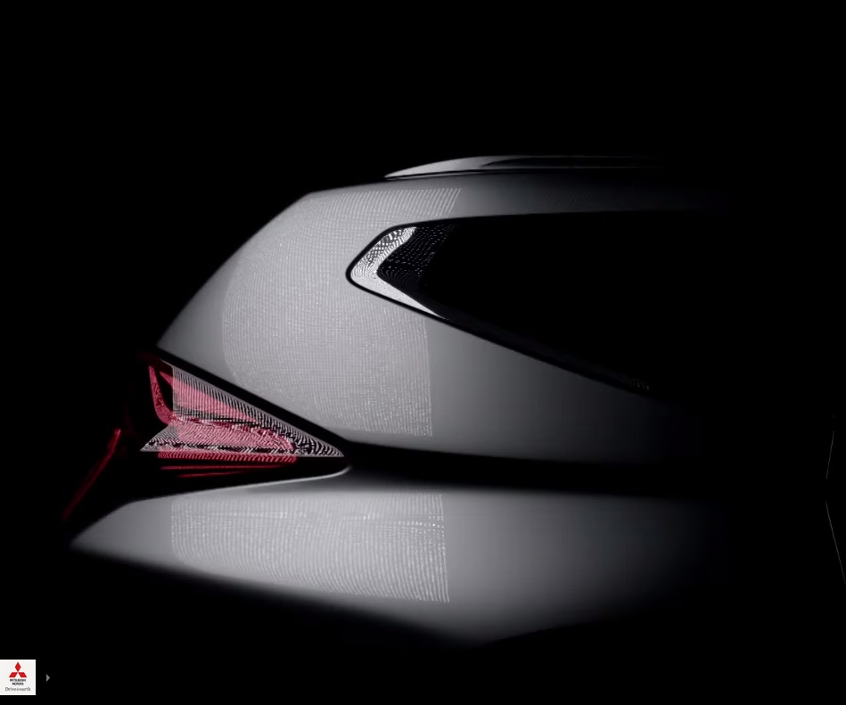 2016-Mitsubishi-Pajero-Sport-rear-window-teased