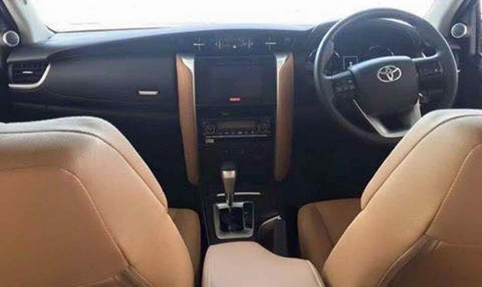2016-Toyota-Fortuner-Interior