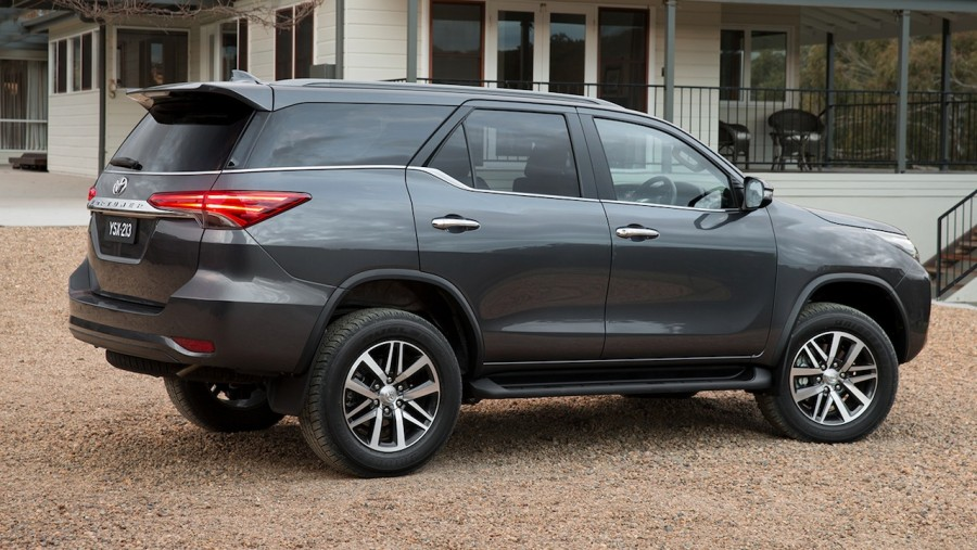 2016-Toyota-Fortuner-side-revealed-Australian-spec-900x507