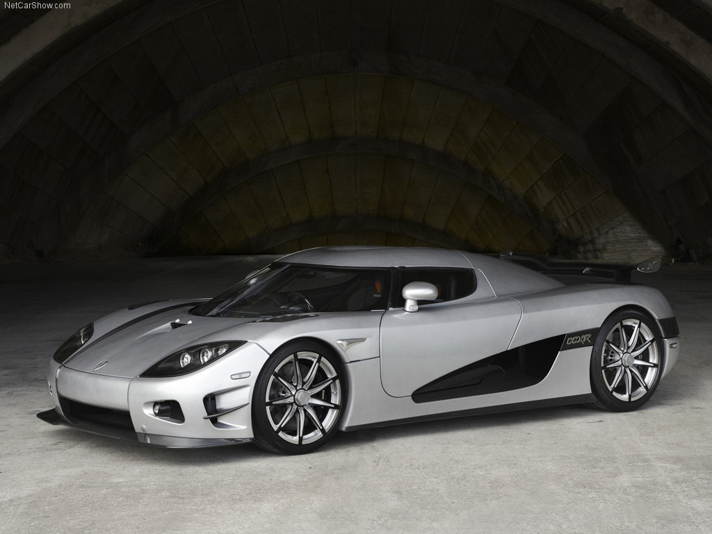 Koenigsegg Ccxr Trevita >> Floyd Mayweather Buys Two Hypercars For $10 Million - PakWheels Blog