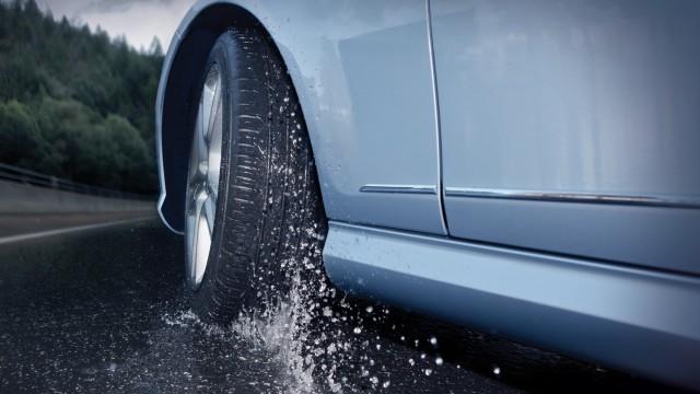 Tire-Wet-Turning