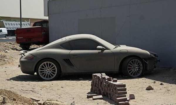 abandoned-cars-dubai-03