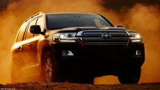 Toyota-Land_Cruiser_2016_1024x768_wallpaper_01