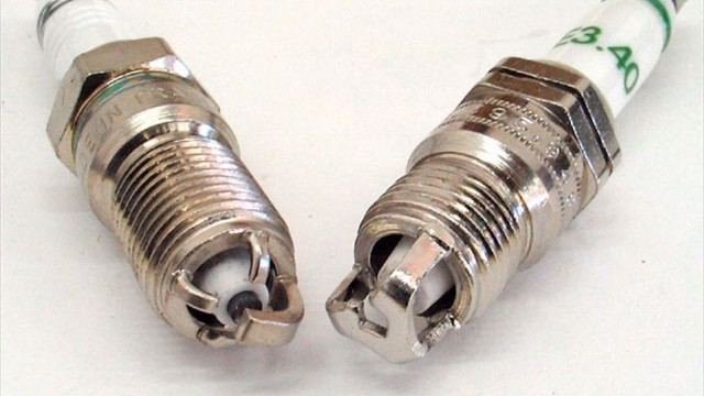 ccrp_0703_18_z+plug_for_power+zex_spark_plug_w_e3_spark_plug