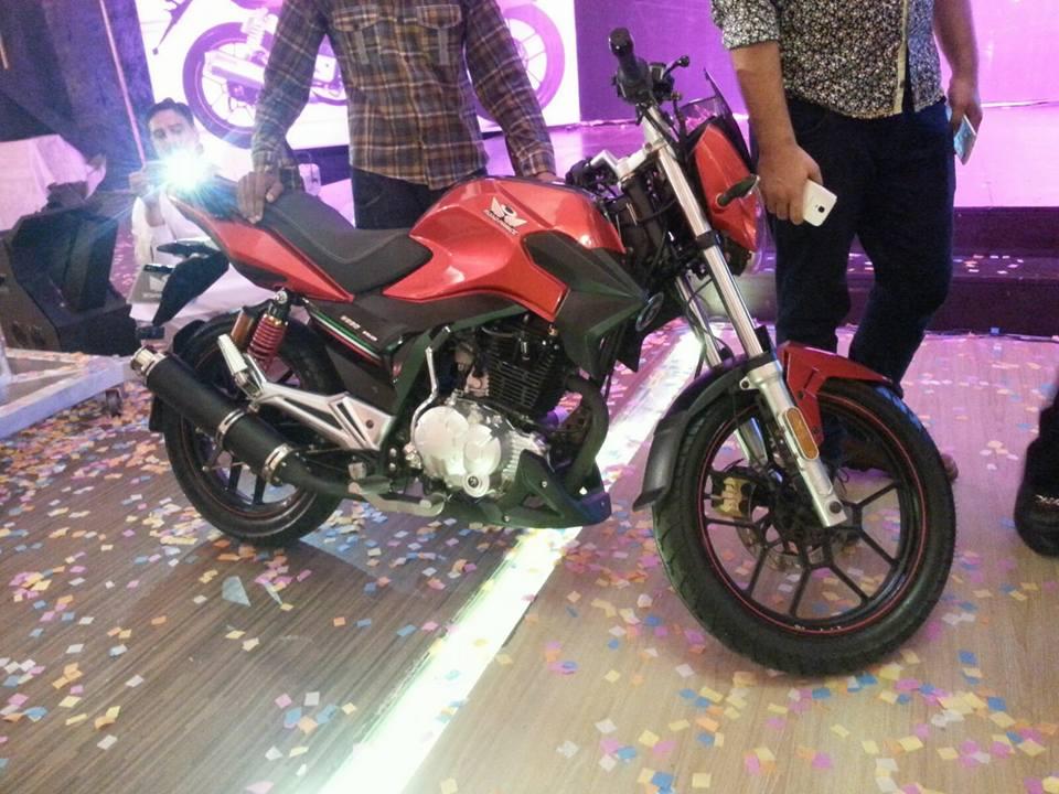 Suzuki gs-150 (best bike in pak)