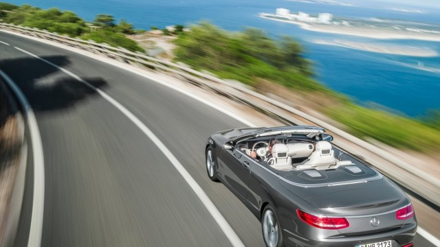 Mercedes-Benz-S-Class_Cabriolet_2017_1024x768_wallpaper_0e