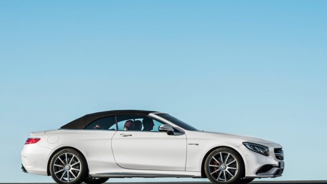 Mercedes-Benz-S63_AMG_Cabriolet_2017_1024x768_wallpaper_0a