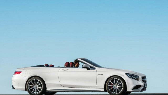 Mercedes-Benz-S63_AMG_Cabriolet_2017_1024x768_wallpaper_0f