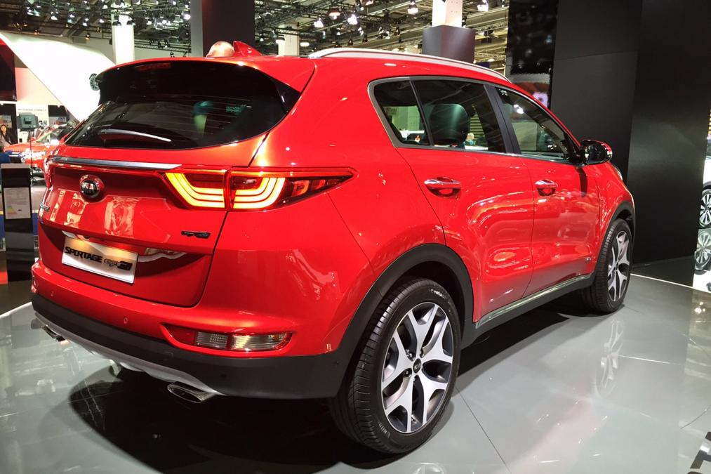 kia sportage 2016 unveiled at frankfurt auto show pakwheels blog. Black Bedroom Furniture Sets. Home Design Ideas