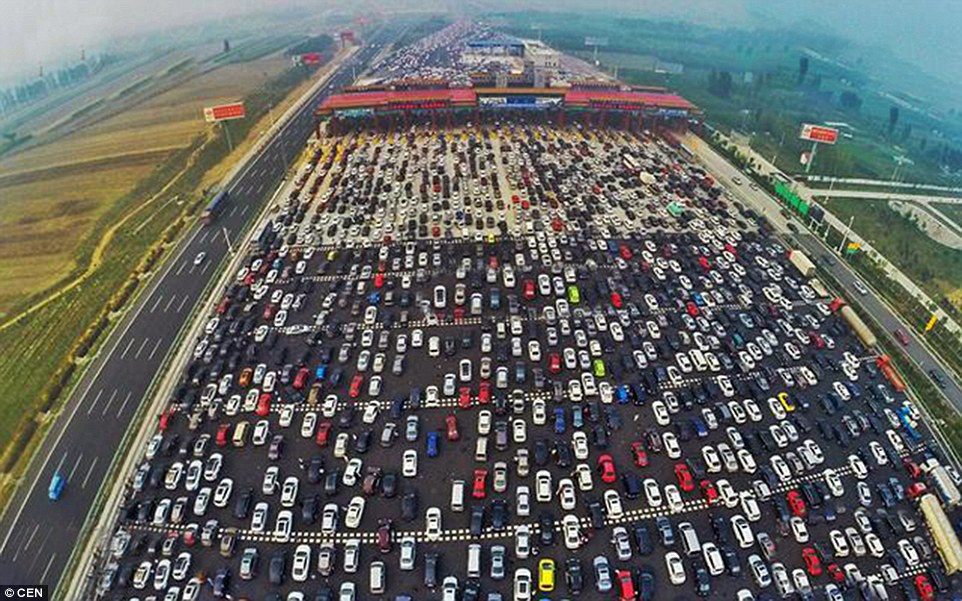 Toyota Route 4 >> Motorists In China Cause 50 Lane Traffic Jam As Week Long ...