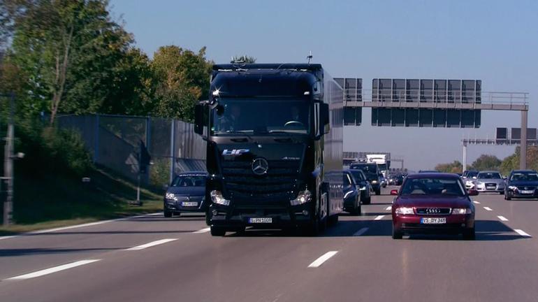 daimler-mercedez-truck-13