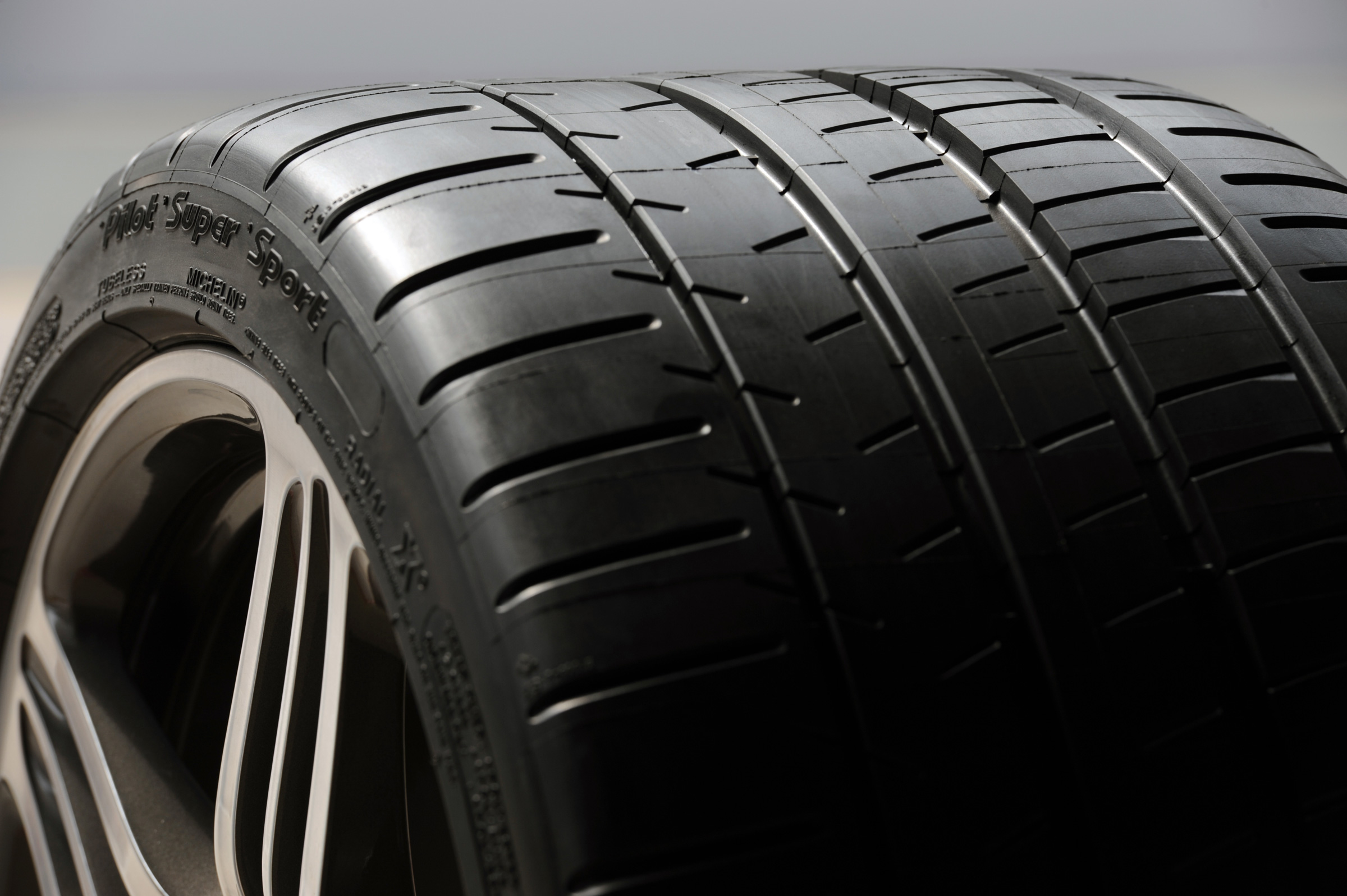 tire-tread-image