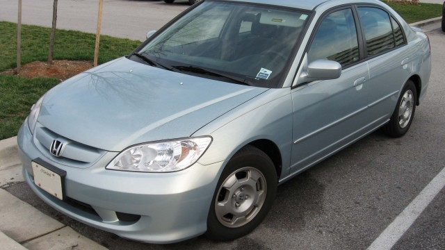 04-05_Honda_Civic_Hybrid
