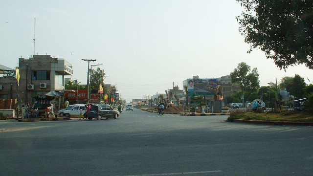 Faisalabad D-Ground Road