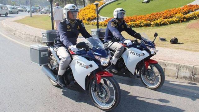 isb-traffic-police-1