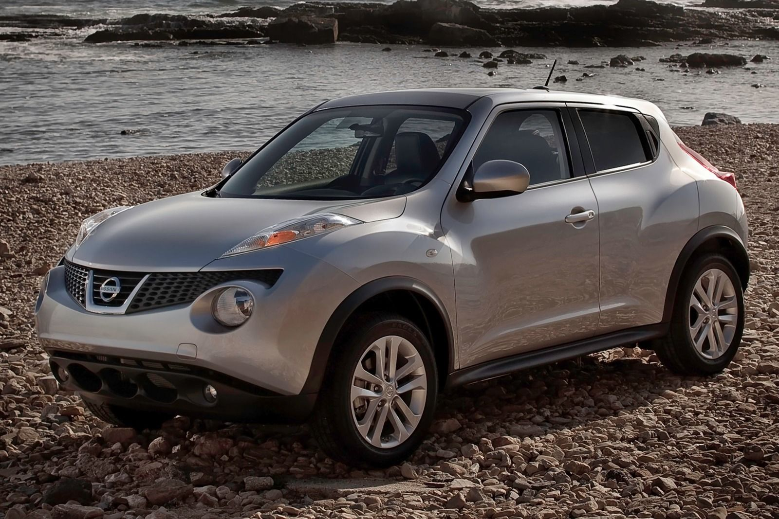 Nissan juke a crossover for a small family in pakistan for Bereifung nissan juke
