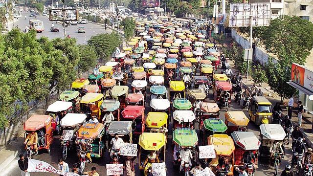 Rickshaw-owner-protest-Photo-Online