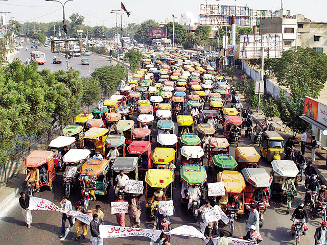 Rickshaw-owner-protest-Photo-Online