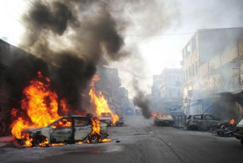 Cars-burned-at-Napier-road-Karachi