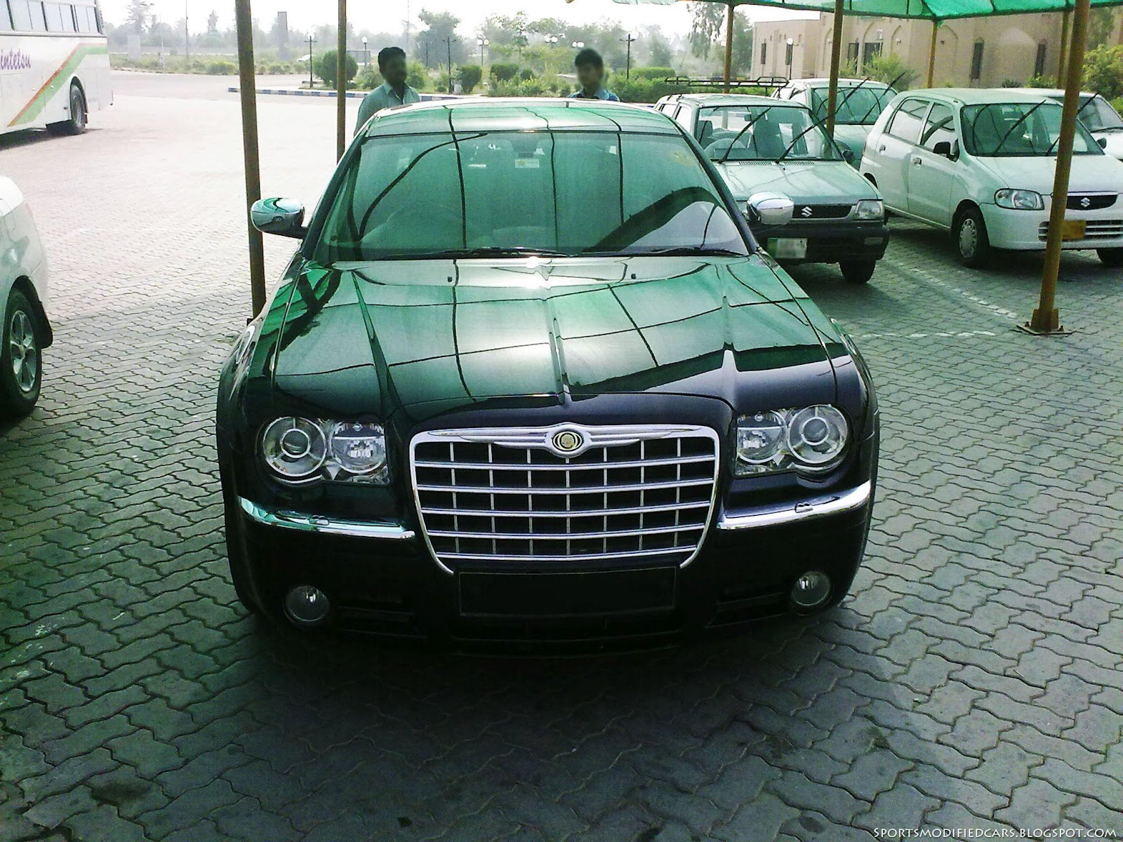 Chrysler 300c in pakistan