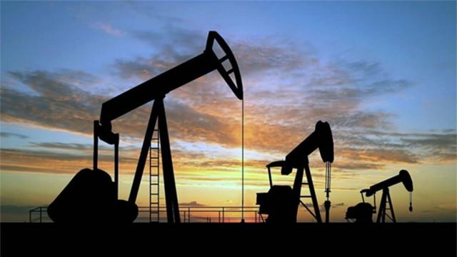 land-based-oil-drilling-rig