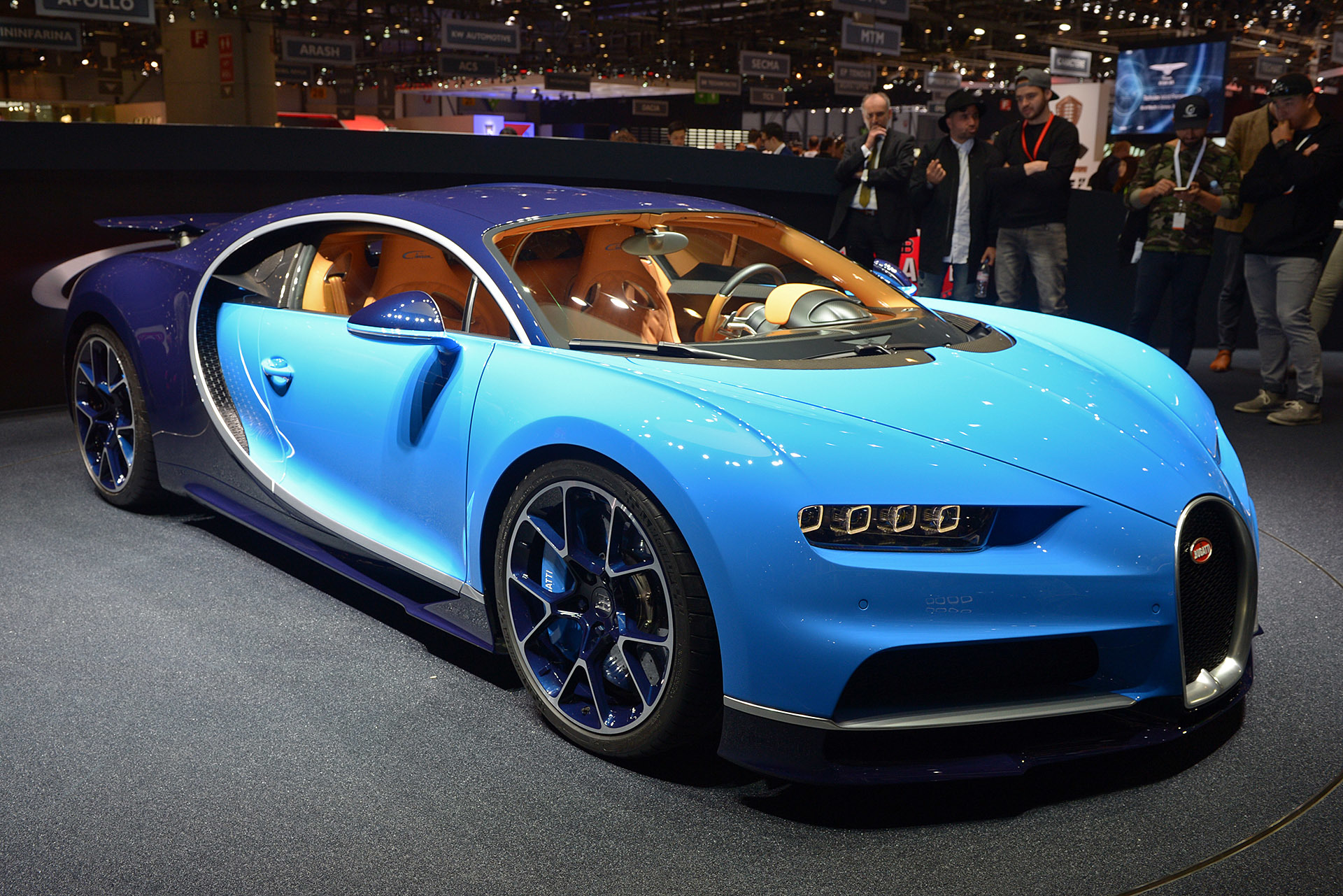 01-bugatti-chiron-geneva-1