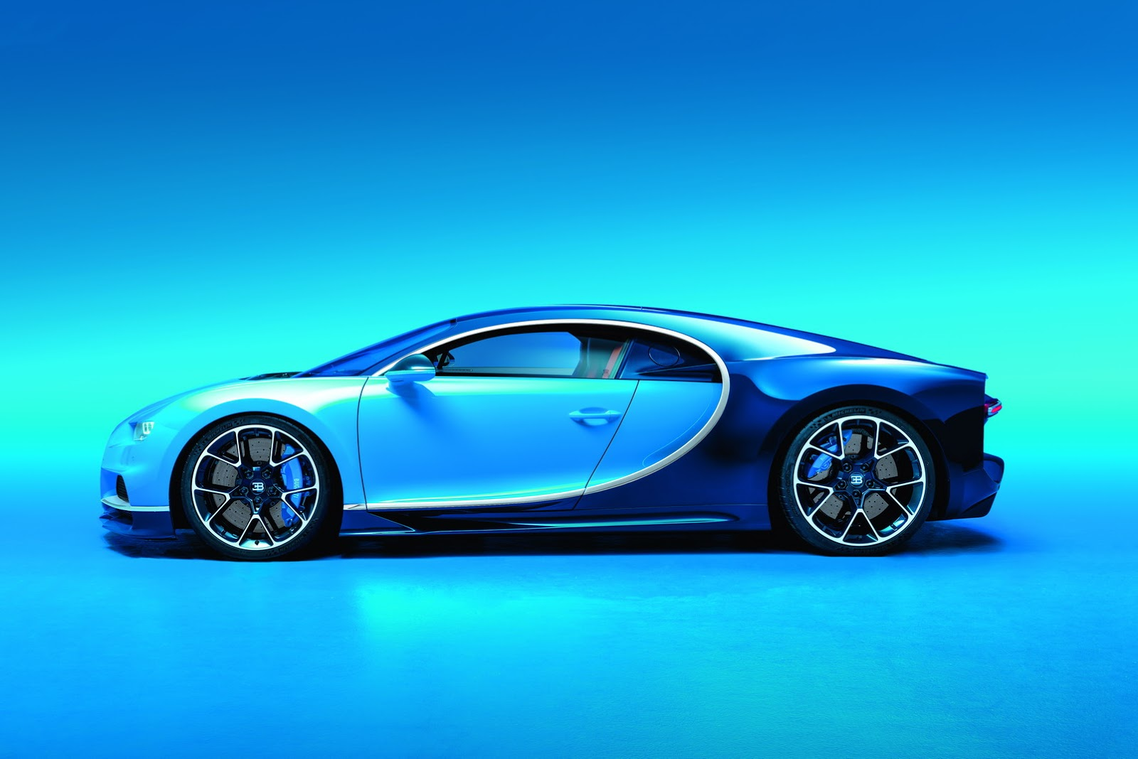 the 1500 hp bugatti chiron revealed at the 2016 geneva. Black Bedroom Furniture Sets. Home Design Ideas