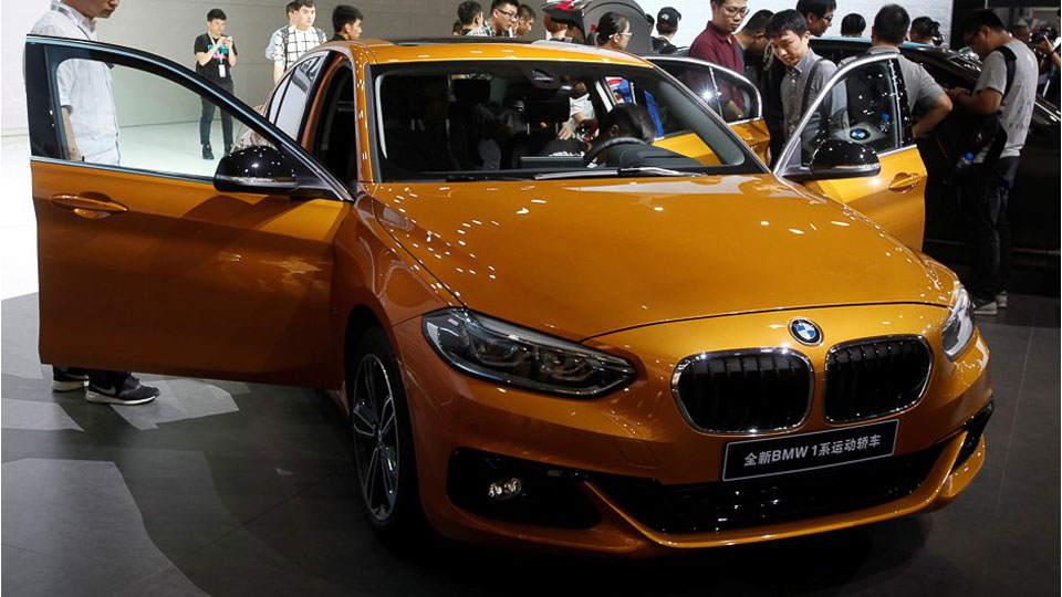 BMW-1-Series-sedan-golden