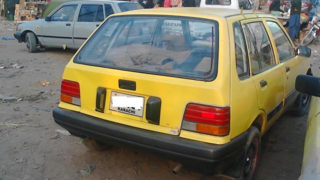 Daihatsu-Khyber-Taxi-1993-yellow-cab