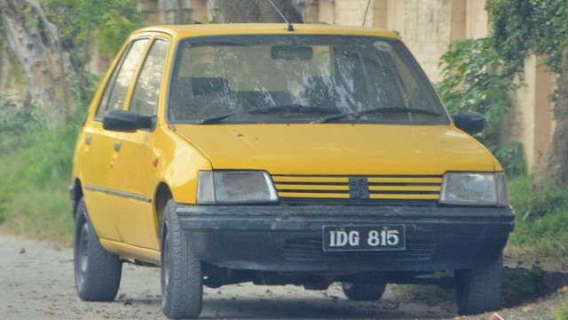 PUG-205 Yellow