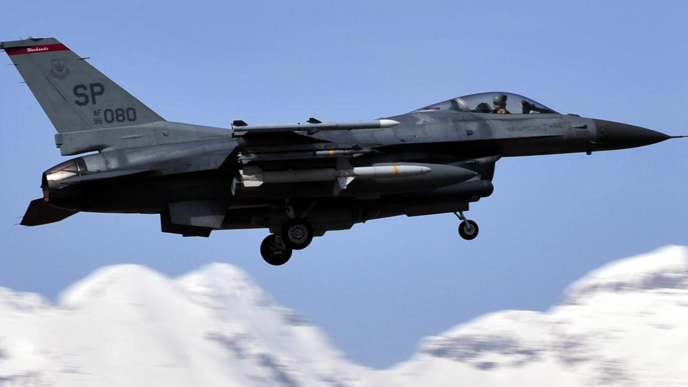 f16 jet - norway