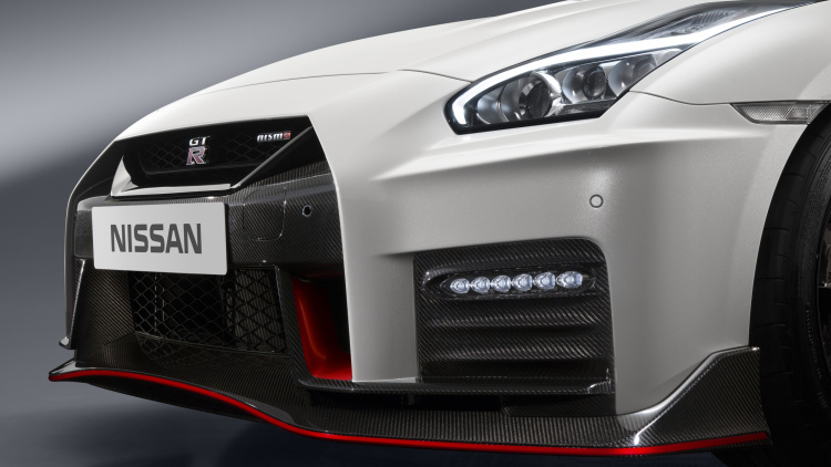 2017 Nissan GT-R NISMO (10)