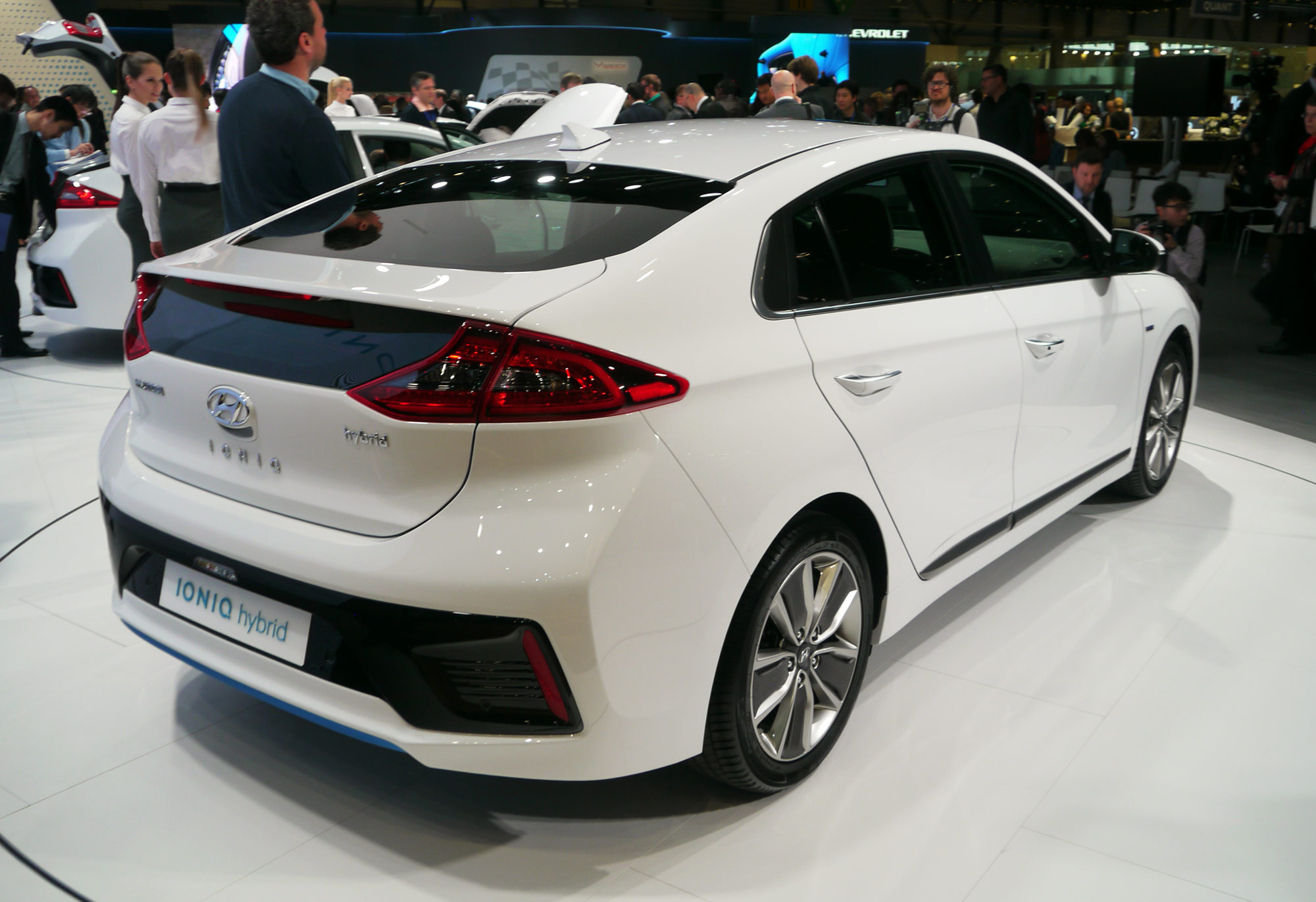 hyundai ioniq hybrid showcased at auto china 2016 pakwheels blog. Black Bedroom Furniture Sets. Home Design Ideas
