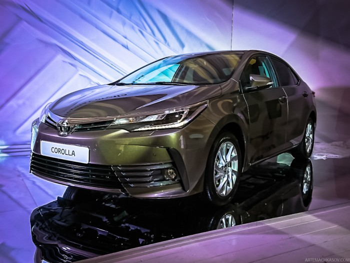 2017 Toyota Corolla unveil in Russia