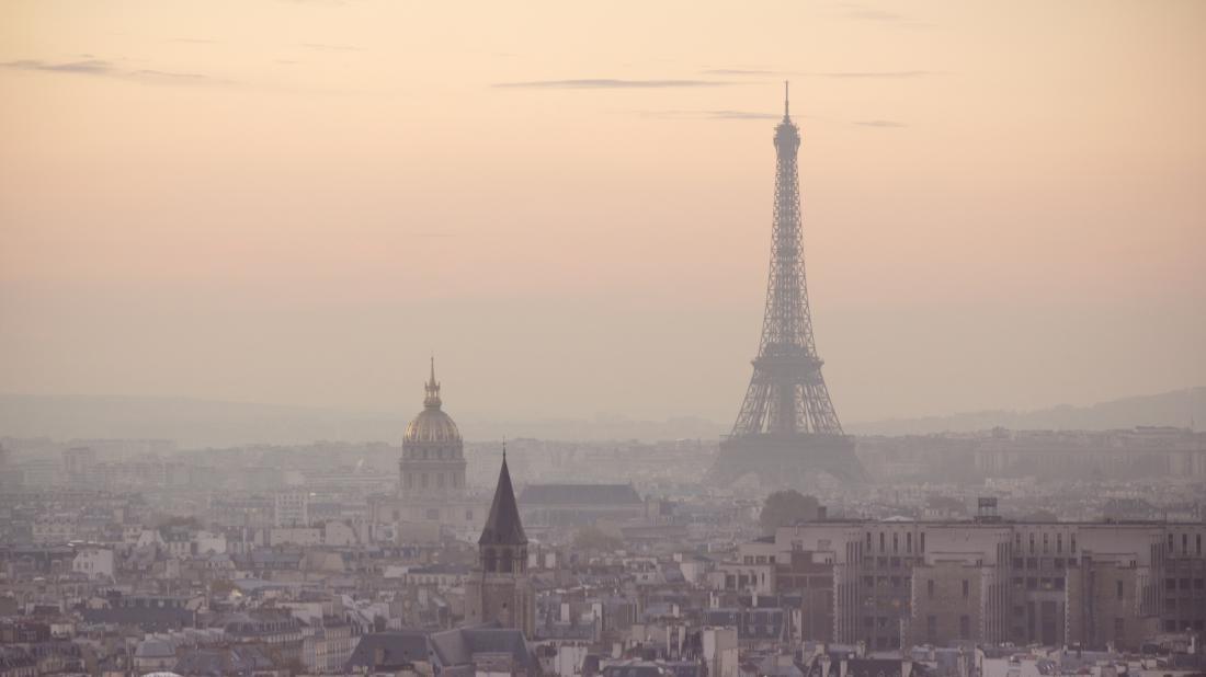 Smog-in-paris-e1464783439380