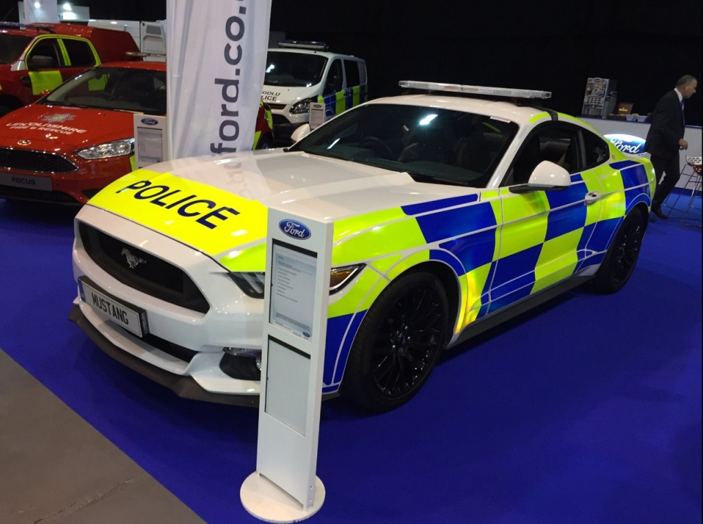 ford-mustang-uk-police-car-1