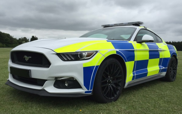 ford-mustang-uk-police-car-2