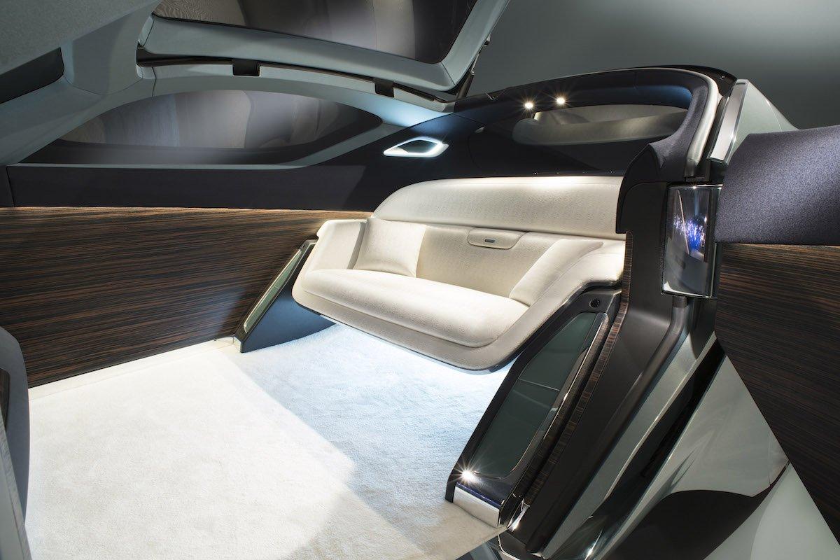 Rolls Royce 103EX -5