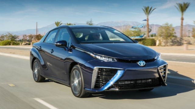 2016_FCV.Toyota_Fuel_Cell_Vehicle
