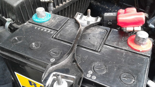 Car battery clamp