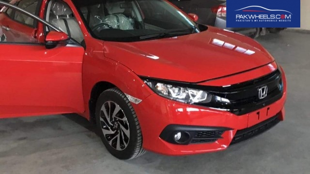 2016 Honda Civic 1.5-liter VTEC Turbo in Pakistan