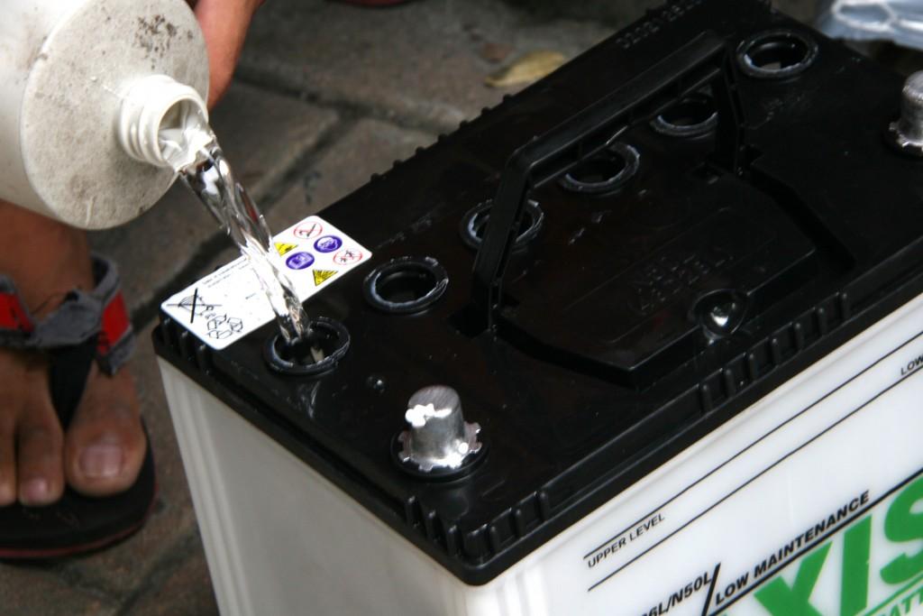 car battery acid level